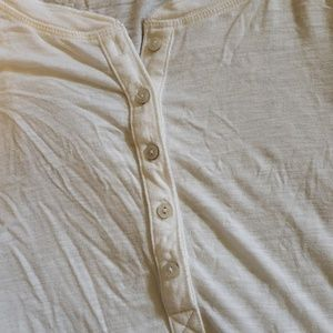 aerie Tops - Aerie henley with thumb hole